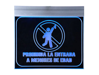 PROHIBIDO MENORES